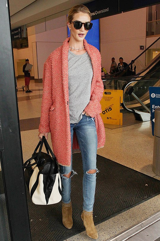 Fashion Friday | Traveling Like a Celebrity