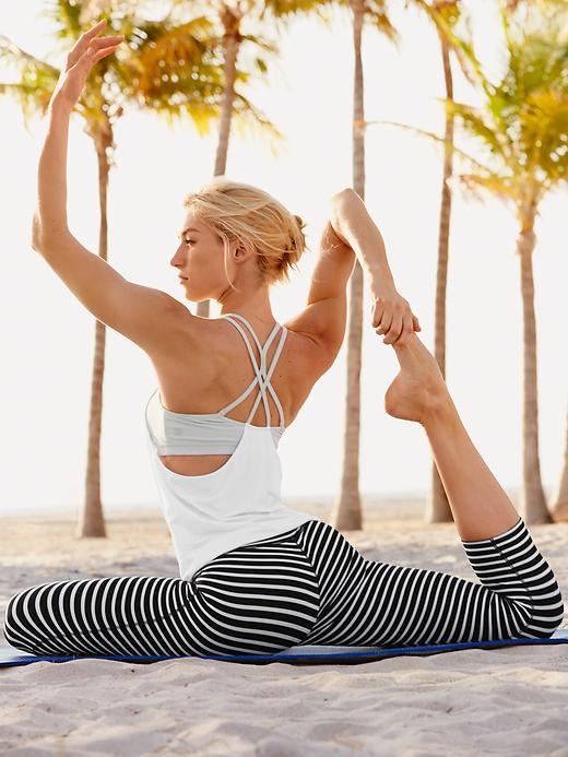 Fashion Friday | Fave Yoga Apparel